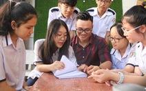 'Bài tập về nhà' khiến học sinh rơi nước mắt, mẹ cha suy gẫm