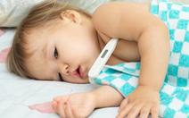 Trẻ sốt cơn co giật hơn 5 phút, phải gọi cấp cứu ngay!