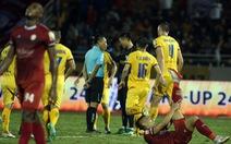 Vòng 11 V-League 2019: Lại tranh cãi về trọng tài