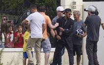Neymar đi trực thăng đến tập trung cùng tuyển Brazil