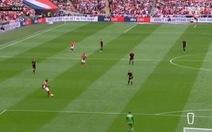 Video 'pha phản lưới nhà ngu ngốc nhất' ở chung kết tranh vé vớt Championship