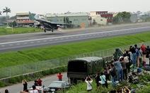 Tiêm kích Đài Loan đáp xuống đường cao tốc trong tập trận chống Trung Quốc