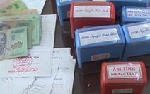 Làm giả giấy khám sức khỏe của bệnh viện bán... sỉ 25.000 đồng/tờ