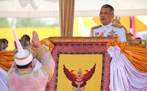Lễ đăng cơ nhà vua Thái Vajiralongkorn qua những con số