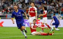 CĐV Chelsea nói lời cám ơn và chia tay Hazard