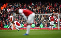 Đánh rơi chiến thắng, Arsenal hết 'cửa' vào tốp 4