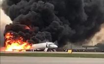 Tai nạn máy bay Sukhoi gây thương vong cao do hành khách cố lấy hành lý?