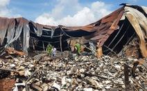 Video cận cảnh kho chứa 40 tấn hồ sơ về xe buýt cháy tan tành