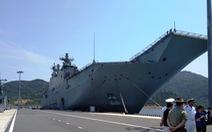 Tàu chiến và tàu đổ bộ lớn nhất của Úc vào vịnh Cam Ranh