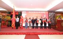 Sắc đỏ nồng nàn cho gian bếp Việt