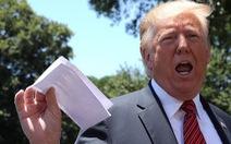 Phe phẩy 'tài liệu mật', ông Trump lộ kế hoạch thỏa thuận với Mexico?