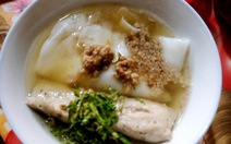 Bánh cuốn canh Cao Bằng: Ngon từ thịt, ngọt từ... súp