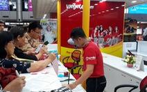 Hàng trăm người kẹt ở sân bay Cam Ranh vì hủy chuyến liên tục
