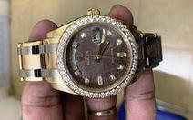 Làm giả giấy tờ ngoạn mục lừa đảo lấy đồng hồ Rolex giá 890 triệu