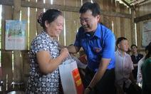 Mùa tình nguyện, mùa đóng góp sức trẻ cho bản làng, thôn xóm