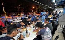 Ở Malaysia, hút thuốc trong quán ăn bị phạt đến 56 triệu đồng