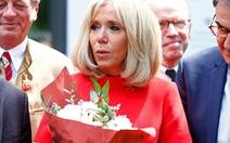 Vợ Tổng thống Pháp: 'Tôi ghét cụm từ máy bay bà già'