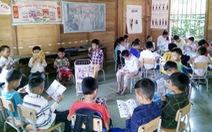 Thư viện mini ngày hè cho trẻ vùng núi