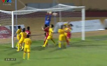 Video cầu thủ nữ TP.HCM ghi bàn từ chấm phạt góc
