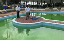 Hồ bơi khách sạn nơi hai em nhỏ chết đuối hoạt động chui