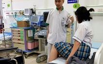 Đồng Nai: Một nữ sinh sốt cao, ngất xỉu trong phòng thi