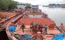 7 chiếc tàu chở hàng ngàn tấn cát khai thác lậu trên biển Cần Giờ