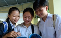 Hoàn tất môn cuối kỳ thi THPT quốc gia: thí sinh than đề dài