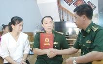 Thăng quân hàm 2 sĩ quan biên phòng bị thương khi đánh án ma túy