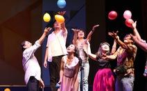 Sân khấu Hoàng Thái Thanh và Thành Hội - Ái Như: lớp học là gia đình
