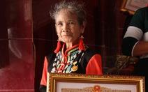 Người sáng tạo chữ viết Raglai được phong tặng danh hiệu nghệ nhân ưu tú