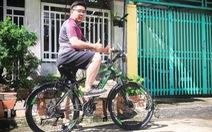 Đạp xe để mẹ không còn lo mất tôi