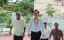 Bộ trưởng Phùng Xuân Nhạ kiểm tra công tác chấm thi tại Bình Định