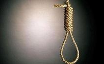 Chồng đâm chết vợ rồi treo cổ tự tử ngoài đường, để lại con 19 tháng kêu khóc