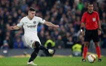 Real Madrid củng cố hàng công bằng tiền đạo Jovic