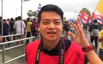 Video đội tuyển Việt Nam đang vào sân chuẩn bị cho trận gặp Thái Lan