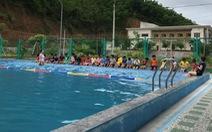 Lớp học bơi miễn phí cho hàng trăm trẻ ngày hè