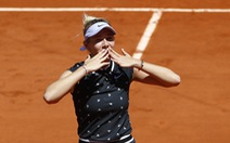 Sốc ở Roland Garros: tay vợt 17 tuổi hạ đương kim vô địch