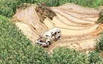 Xe 7 chỗ lao xuống vực sâu ở Sa Pa, 3 người bị thương