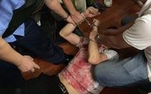 Khởi tố, bắt tạm giam kẻ đâm chủ tiệm cầm đồ, bắt giữ con tin