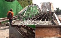 Bảo tàng TP.HCM sẽ lưu trữ đường ray 100 tuổi của cầu sắt Phú Long