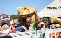 Venezuela mở cửa biên giới, dân sang Colombia mua thuốc và thực phẩm