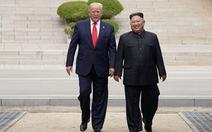 Gặp ông Kim ở DMZ: giây phút ngẫu hứng, thiếu tính chiến lược của ông Trump?