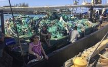 Vớt 'lưới ma' nặng 8 tấn ở Thái Bình Dương