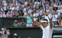 Đánh bại Nishikori, Federer gặp Nadal tại bán kết Wimbledon 2019