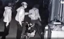 Video lăm lăm súng ngắn tấn công nhà dân ở Củ Chi là súng bắn đạn bi
