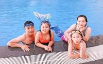 Huấn luyện kỹ năng chống đuối nước cho du khách nhí