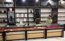 100 tỉ đồng hàng nhái bán giá hàng hiệu trong một cửa hàng lưu niệm