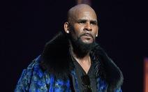 'Ông hoàng R&B' R. Kelly bị bắt vì cáo buộc tình dục dính líu đến trẻ em