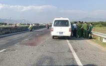 Xe tông người đi bộ, nghi nhiều ôtô cán qua người nạn nhân