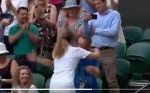 Xúc động với hình ảnh 'tình phụ tử' ở Wimbledon 2019